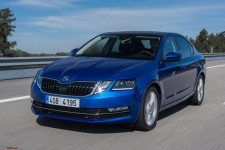 2017 Facelift Octavia in race blue.